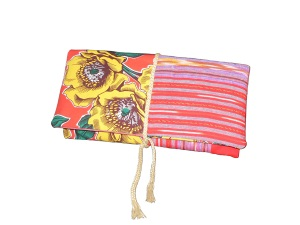 Pochette en tissu fleurs et poncho