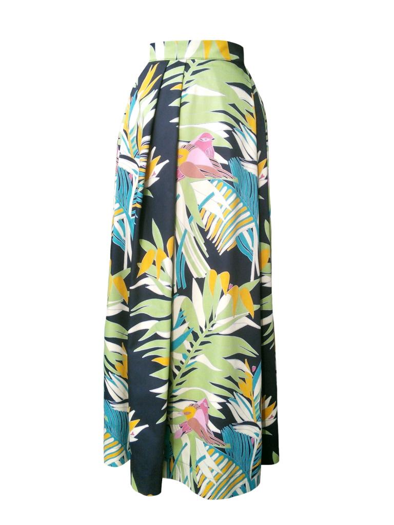 Jupe longue en satin de coton à imprimé tropical feuillage et oiseaux