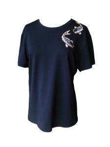 Tee-shirt coupe masculine en jersey de coton noir et carpes brodées