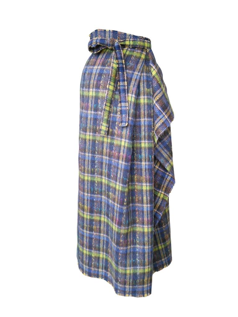 Jupe longue drapée asymétrique en laine mohair à motif tartan gris et vert anis
